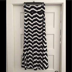 Maxi Skirt S
